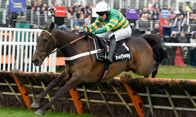 Christmas Horse Racing.Buveur D Air Heads To The Unibet Christmas Hurdle With Seven