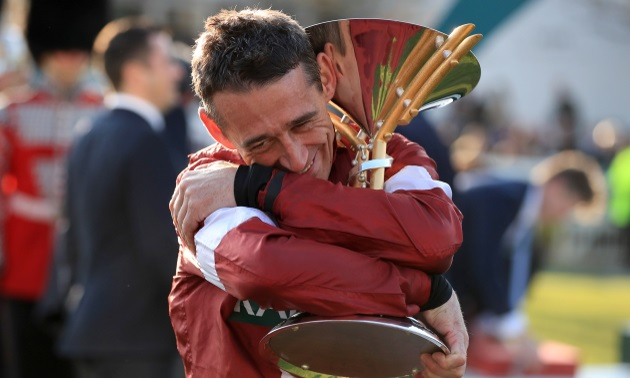 davy_russell_grand_national_2019_trophy_630x3780.jpg