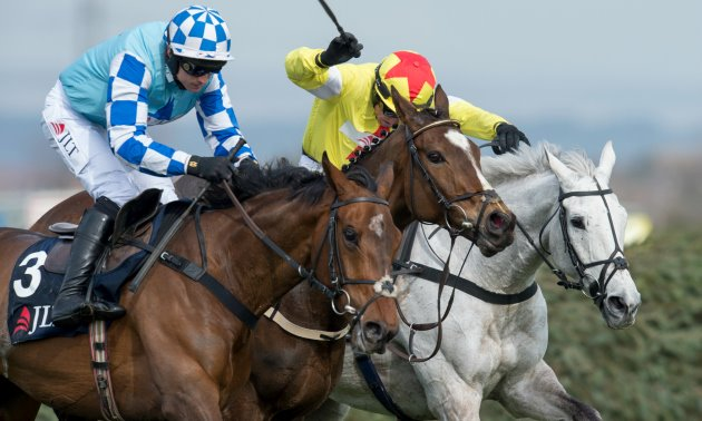 gods_own_tight_finish_aintree_630_x_3784.jpg